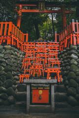 "Piccoli ""torii"" giapponesi"