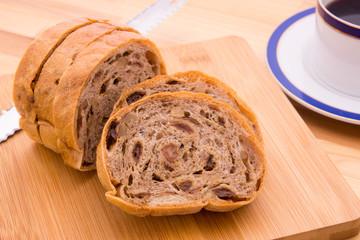 レーズンとクルミのパン