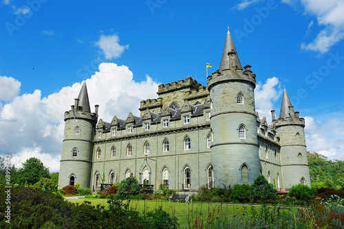 Leinwanddruck Bild Inveraray castle side view