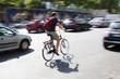 Radfahrer im Großstadtverkehr