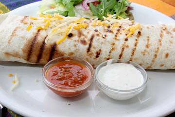 Gemüse-Tortillas mit Räuchertofu