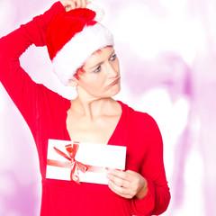 falscher Geschenkgutschein, Frau zieht ein Gesicht