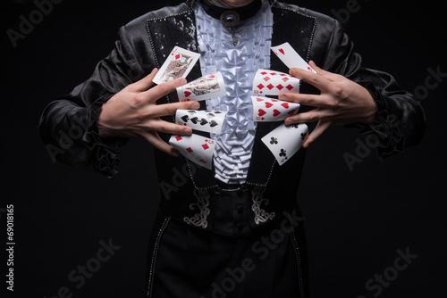 Consummate mastery of magician - 69018165