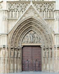 puerta de la catedral de valencia