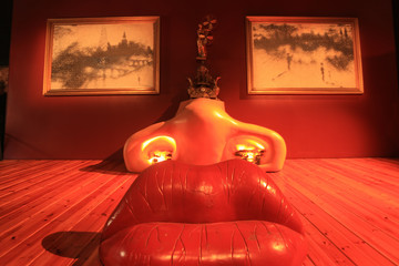 Face of Mae West (surreal room). Exhibit the Salvador Dalí Muse