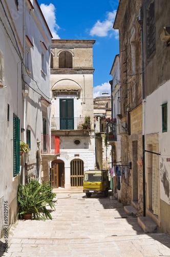 Alleyway.  Minervino Murge. Puglia. Italy. - 69029976