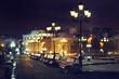 Leinwanddruck Bild - benches night city