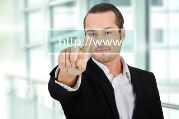 Unternehmer mit Webadresse