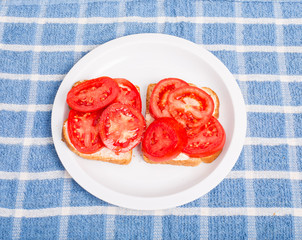 Tomato Sandwich with Pepper