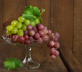 Ripe green and purple grapes