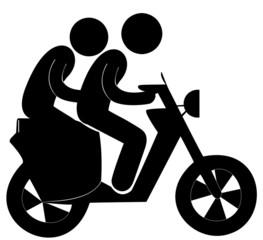 jeunes sans casques sur un scooter