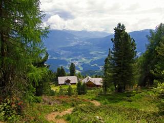 Aufstieg zur Lüsner Alm, Blick gen Bruneck, Südtirol