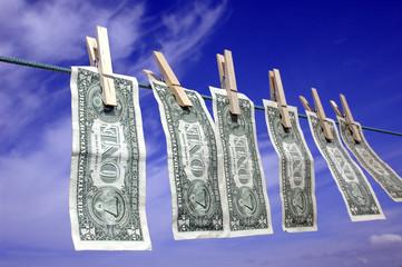 Dólares tendidos