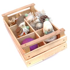 Many snowmans in wooden box