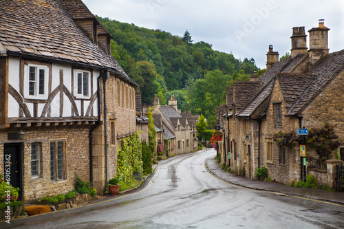 Castle Combe, unique old English village and luxury golf club - 69053362