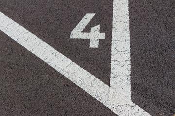 Zahlen auf einem Parkplatz