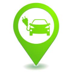 voiture électrique sur symbole localisation vert