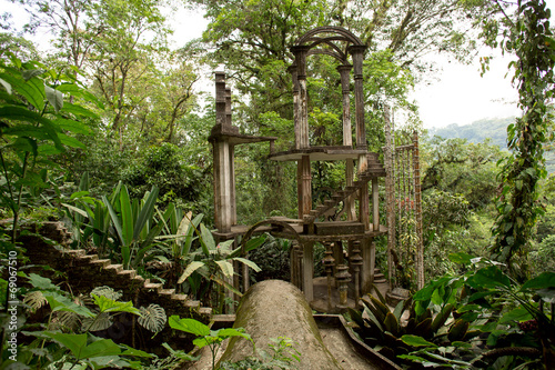 Keuken foto achterwand Mexico concrete structure with stairs surrounded by jungle