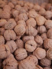 walnuts market organic