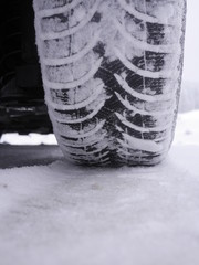 tires leave footprints snow