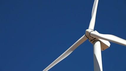 青空と風力発電機_6