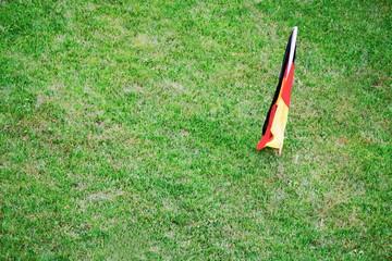 Rasen mit Deutschlandfahne