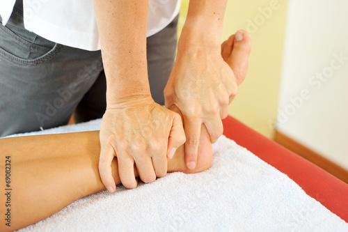 canvas print picture Bei der Physiotherapie