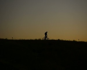 şafak vakti bisiklet sürmek
