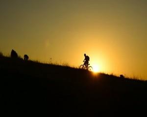 bisikletle tepeye azimle çıkmak