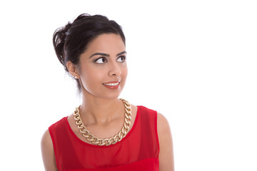 Attraktive asiatische Frau in Rot: seitlicher Blick