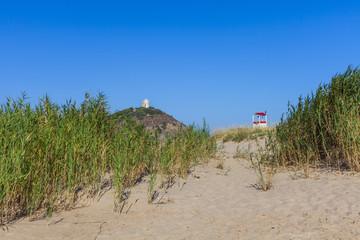 torre di chia vista dalla spiaggia