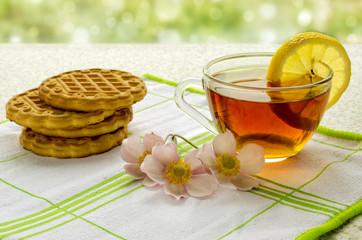 black tea and  cookies