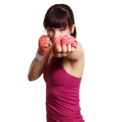 Junge schöne Frau bem Boxen