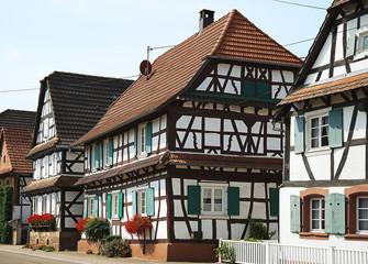 rue de village Alsacien avec maison à colombage