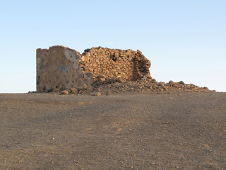 Altes verfallenes Bauwerk aus Sandsteinen