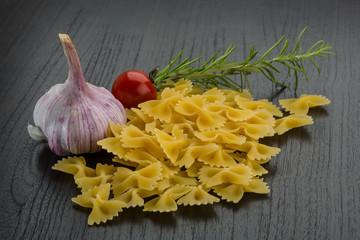 Ties macaroni