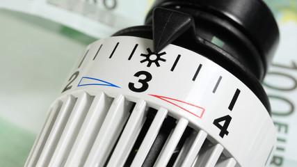 saving energy - Heizkosten sparen 3 - 16 to 9 - g1318