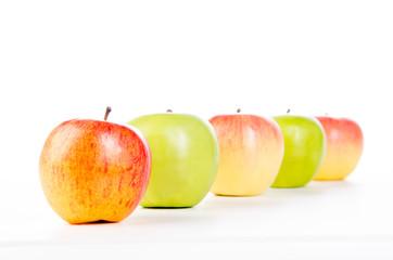 äpfel aufgereiht