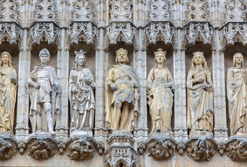 Brussels - The kings on the gothic facade of Town hall.