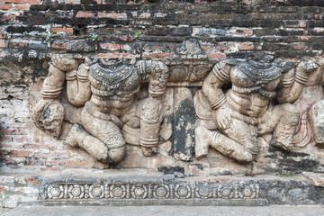 Steinernes Relief am Tempel von Wat Ratchaburana in Ayutthaya,