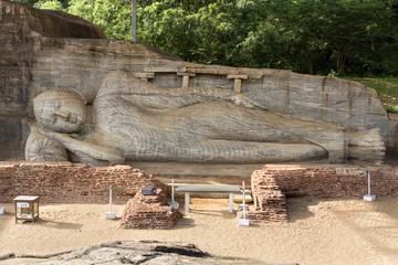 Gal Vihara, Reclining Buddha statue
