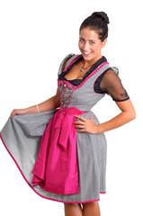 Hübsche junge Frau im bayerischen Dirndl