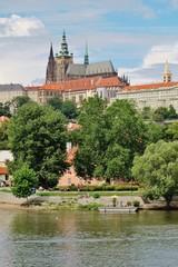 Prag, Blick von der Moldau zum Veitsdom