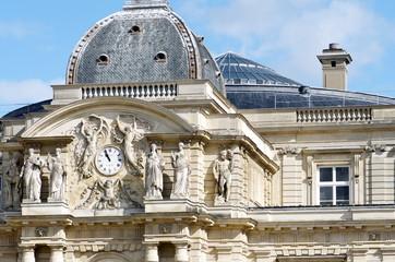 palais du sénat, vue jardin du luxembourg Paris