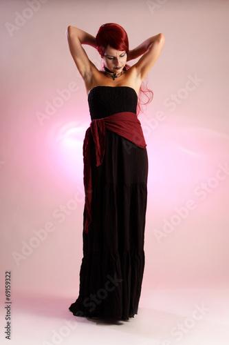 canvas print picture Frau im Kleid verzopft ihre roten Haare