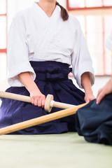 Lehrer und Schüler in Aikido Kampfsport Schule