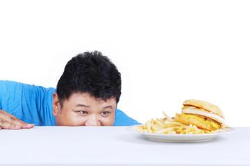 Man is peeping hamburger 1
