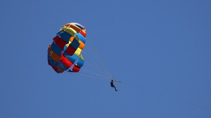 Parachutist crosses the screen, 4K