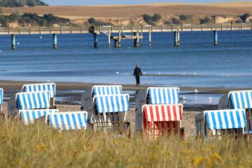 Boltenhagen Ostsee,Strandkorb,Seebrücke,morgens