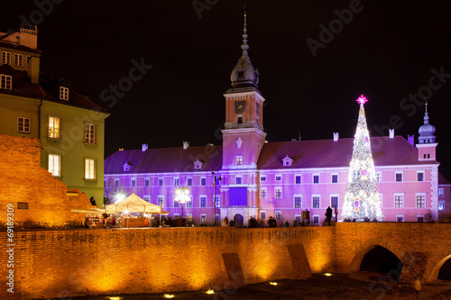 Royal Castle in Warsaw at Night - 69189309